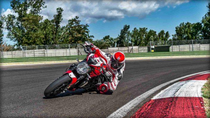 Ducati Monster 1200 R - Curva Circuito