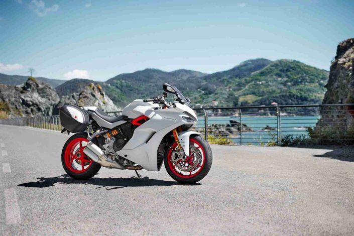 Ducati Super Sport Blanca 01