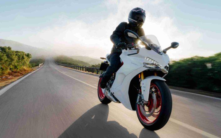 Ducati Super Sport Blanca 04