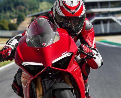 descubre la nueva ducati panigale v4 en Ducati Granada